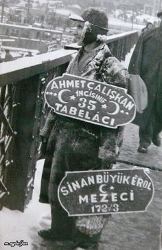Ayaklı Tabelacı. Ocean Pictures, Old Pictures, Old Photos, Antique Photos, Vintage Photos, Istanbul Pictures, Bronze Age Civilization, Turkey History, Shopping Street
