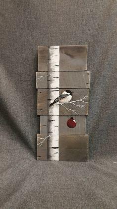 Weihnachten Zeichen, White Birch, rote Birne, grau-Holz-Paletten-Kunst, Hand painted White Birch, Weihnachts-Dekor, Upcycled, Wandkunst, Distressed Original Acrylbild auf aufgearbeiteten Paletten Bretter. Dieses einzigartige Stück ist 24 x 11 groß Dieses Stück eignet sich für einen personalisierten rustikalen Touch zu Ihrer Weihnachts-Dekoration. Perfekt für die dünne Wand-Raum oder einfach an die Wand lehnen. Alle meine Kreationen sind aus aufgearbeiteten Brettern gefertigt. Sie sind…
