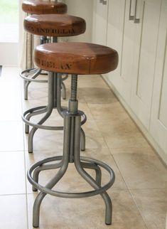 Details about THE SPINNER Industrial Kitchen retro Bar Stools: Tan adjustable seat – Industrial Bar Stools: Spinner Table / Bar Stool Tan adjustable. Wooden Breakfast Bar Stools, Bar Stools Uk, Vintage Bar Stools, Industrial Bar Stools, Bar Stool Chairs, Kitchen Stools, Room Chairs, Kitchen Retro, Dining Chairs