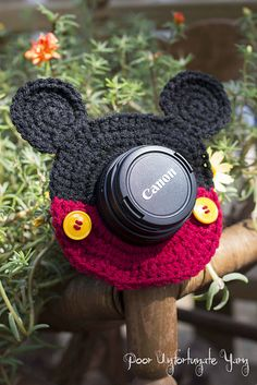Mickey Mouse Lens Buddy FREE Crochet Pattern