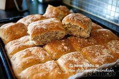 Rågsiktsruta Piece Of Bread, No Bake Desserts, Goodies, Food And Drink, Healthy Recipes, Baking, Eat, Breakfast, Yummy Yummy