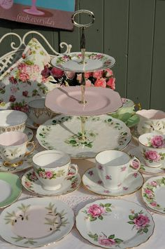Pink, green and gold vintage tea set   Flickr - Photo Sharing!