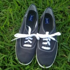 Dark blue Keds tennis shoes / size 7 1/2 Keds tennis shoes/ Dark blue / size 7 1/2 U. S/  They are in great shape with very little wear/ No Swaps. keds Shoes Sneakers