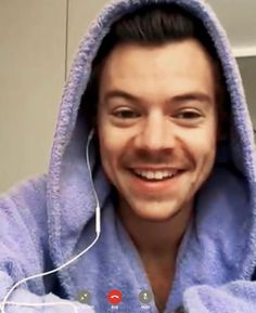 Harry Styles Updates, Harry Styles Facts, Harry Styles Funny, Harry Styles Imagines, Love Him, Windbreaker, Album, Beauty, Fashion