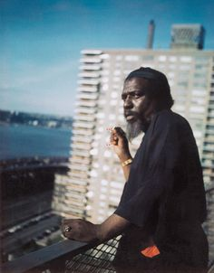 Thelonious Monk on the balcony par Pannonica de Kœnigswarter NYC apartment, by Pannonica 1964