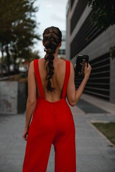 Look inivitada : sexy jumpsuit Classy Outfits, Cool Outfits, Fashion Outfits, Outfit Vestido Rojo, Bat Mitzvah Dresses, Valentines Outfits, Scarf Hairstyles, Elegant Outfit, Classy Women
