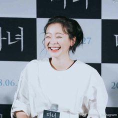 Pretty Asian Girl, Asian Love, Prettiest Celebrities, Korean Celebrities, Korean Actresses, Korean Actors, Korean Women, Korean Girl, Dramas