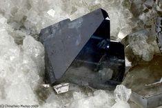Anatase - Sabbione Glacier, Formazza, Formazza Valley, Verbano-Cusio-Ossola Province, Piedmont, Italy Size: 2.62 mm