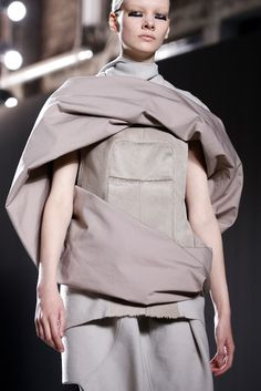 Sculptural Fashion with draped fabrics in soft dusty tones // Rick Owens Fall 2015