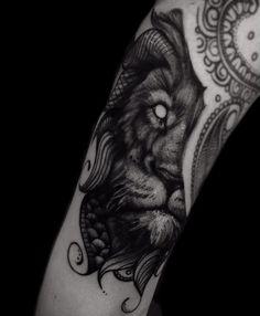 Lion tattoo black worck tattoo by @adrian.higuita