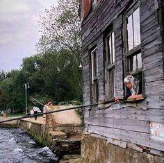 Kuzguncuk/Balık tutan kadın
