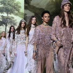 Haute Couture  Elie Saab Couture Spring Summer 2016   http://www.theglampepper.com/2016/02/08/haute-couture-elie-saab-couture-spring-summer-2016/
