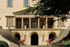 Villa di Poggio a Caiano - Wikipedia Renaissance Architecture, Italian Villa, 15th Century, Tuscany, Florence, Palace, Exterior, Mansions, Landscape