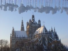 Den Bosch de Sint Jan in de sneeuw