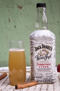 spiced apple cider champagne cocktails - Dishing Up the Dirt - ♦ Epic Libations ♦ - - - Party Drinks, Fun Drinks, Yummy Drinks, Alcoholic Drinks, Beverages, Champagne Cocktail, Cocktail Drinks, Cocktail Recipes, Cider Cocktails
