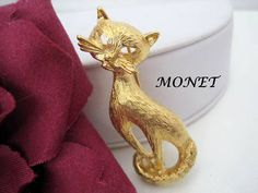 Kitty Cat Pin Brooch Signed Monet Gold Tone
