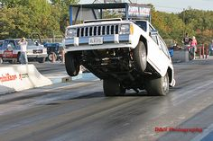drag racing | 1986 Jeep Cherokee Laredo 1/4 mile Drag Racing timeslip specs 0-60
