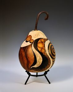 carved gourd!  I want to learn how to carve gourds!