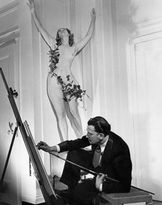 Gala Dali posing nude for her husband, Salvador Dali, Artist Life, Artist At Work, Nude Photography, Black And White Photography, Classic Photography, Famous Artists, Great Artists, Salvador Dali Photography, Russ Mayer