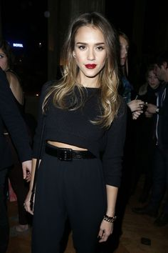 Jessica Alba dresses all black