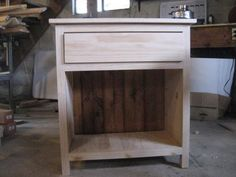 Woodworking Tips and Tricks Small Woodworking Projects, Woodworking Furniture, New Furniture, Furniture Projects, Furniture Plans, Woodworking Tips, Easy Diy Projects, Home Projects, Project Ideas