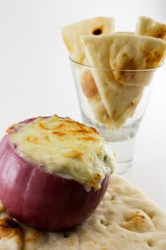 I have a wonderful calorie packed hot artichoke dip I love to make. might have to cutesie it up with this hollowed out purple onion idea! Hot Artichoke Dip, Artichoke Recipes, Great Appetizers, Appetizer Recipes, Great Recipes, Favorite Recipes, Easy Recipes, Fresh Spinach Dip, Mediterranean Vegetarian Recipes