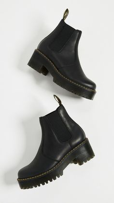 Martens Rometty Chelsea Boots - Beauty is Art Doc Martens Outfit, Doc Martens Boots, Doc Martens Chelsea Boot, Doc Martens Style, Dr. Martens, Doc Martens Stiefel, Looks Country, Men Dress, Dress Shoes