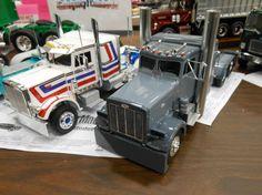 Model Truck Kits, Peterbilt Trucks, Semi Trucks, Scale Models, Scale Model, Big Rig Trucks
