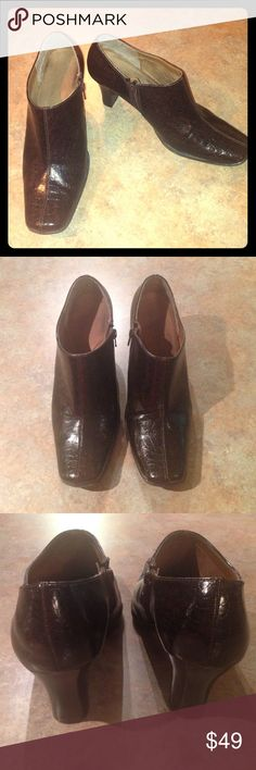 """Aerosoles 10-B Womens Brown Boots Heels Booties GORGEOUS-CLASSY-& COMFY AEROSOLES SZ 10-B Women's Brown Botties with aprox. 3"""" heel and zips up on side. Very well made shoe perfect for casual to dressy and everyday wear! Aerosoles  Shoes Ankle Boots & Booties"""