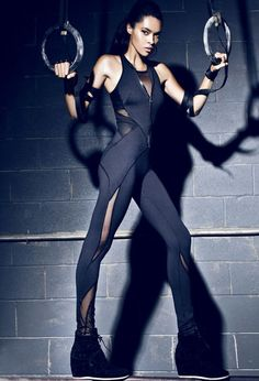 Black mesh panelled leggings are everywhere right now, and this concept from MICHI takes them to the next level. An interesting concept mixing athletic wear with lingerie Sport Style, Sport Chic, Sport Girl, Sport Fashion, Fitness Fashion, Fitness Wear, Fitness Foods, Rock Dress, Aerial Costume