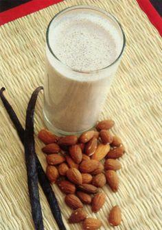 Almond Milk | Raw Living Foods