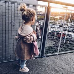 - The most beautiful children's fashion products Little Girl Outfits, Toddler Girl Outfits, Little Girl Fashion, My Little Girl, Toddler Fashion, Kids Fashion, Fashion Ideas, So Cute Baby, Baby Kind