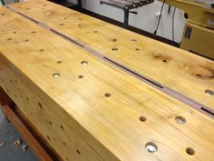 Nicholson bench   A Woodworker's Musings Craftsman Workbench, Small Workbench, Woodworking For Mere Mortals, Woodworking Bench, Woodworking Projects, Shelf Board, Built In Bench, Joinery, Bamboo Cutting Board