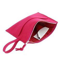 Handbag:  Handmade item.  Colour: amaranth.  Materials: felt, silver zipper   width:  33 cm, height: 25 cm Torebka wykonana z amarantowego filcu.