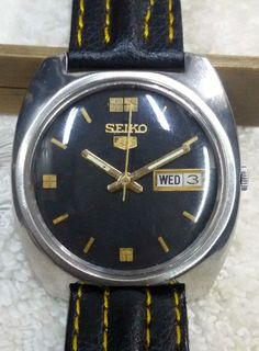 Vintage Seiko 5 Automatic Day-Date 17-Jewels Men's Wrist Watch AS-24