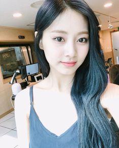 K-pop star Chou Tzu-yu returns to S. K Pop, Nayeon, Girl Pictures, Girl Photos, Cute Girls, Cool Girl, Tzuyu And Sana, Twice Tzuyu, Twice Album
