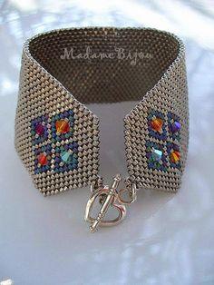 simple peyote bracelet with crystal inserts - makes it look very fancy - Madame Bijou