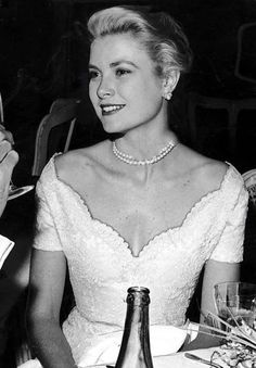 Grace Kelly - After became Princess Grace of Monaco Monaco As, Monaco Royal Family, Kelly Monaco, Grace Kelly Mode, Grace Kelly Style, Grace Kelly Dresses, Grace Kelly Wedding, Vintage Hollywood, Princesses