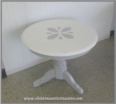 Custom Mix Paris Gray and Pure White.  Cute little oak table..  www.chrisitnasattictreasures.com