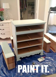 How to paint laminate furniture in 3 easy steps.