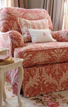 Slipcovered Quatrine Milan chair http://www.llhdesignsblog.com/2011/03/pink-in-house.html #readingcorner #readingchair