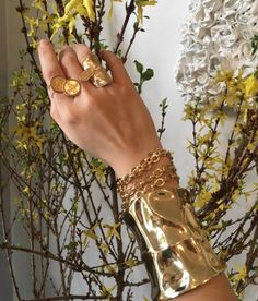 Mellow Yellow || @roseark @CongesLife @Tinguely Luxury Jewelry, Custom Jewelry, Gold Jewelry, Hollywood Jewelry, Wedding Jewelry, Wedding Rings, Casual Fridays, Bangles, Bracelets