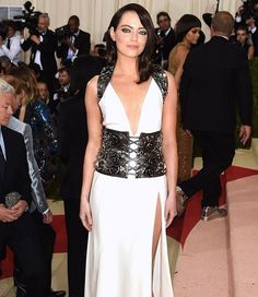 Emma Stone is that you? The actress debuts a dramatic new look at the 2016 #MetGala—click the link in our bio for all the arrivals. (: Jamie McCarthy/FilmMagic)