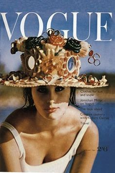 Tamara Nyman, beach hat by Elio Berhanyee, cover by Henry Clarke, January 1962 Vogue Magazine Covers, Fashion Magazine Cover, Fashion Cover, Vogue Vintage, Vintage Vogue Covers, Vintage Fashion, 1960s Fashion, Patti Hansen, Lauren Hutton