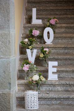 Fun And Unique Wedding Jewelry Ideas Bridal Shower Decorations, Reception Decorations, Event Decor, Wedding Centerpieces, Diy Wedding, Rustic Wedding, Wedding Gifts, Outdoor Wedding Photography, Unique Weddings