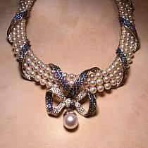 .necklace-pearls,blue saphire,brown diamonds,pingent pearl south sea.
