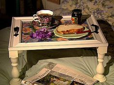 37 ideas breakfast in bed tray diy guest rooms Bed Tray Diy, Diy Bed, Tv Trays, Food Trays, Serving Trays, Breakfast Tray, Best Breakfast, Daybed Outdoor, Picture Frame Table