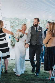 In the latest installment of The Chupi Wedding Series, we speak to Kelly & Tom about the beginning of their journey in an Irish Pub in Denver to their gorgeous wedding in their backyard. Denver, Irish, Toms, Wedding Day, Journey, Backyard, Wedding Dresses, Pictures, Pi Day Wedding