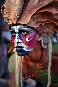 Best body paintings from world's tribes | BRABBU's photography inspiration | See more at http://brabbu.com/en/art/index.php