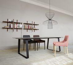 VILNA, Tables Designer : Pagnon & Pelhaître | Ligne Roset